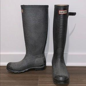 HUNTER — grey snakeskin tall rain boots